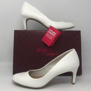 NEW Dexflex Comfort Karma White Heel Pumps